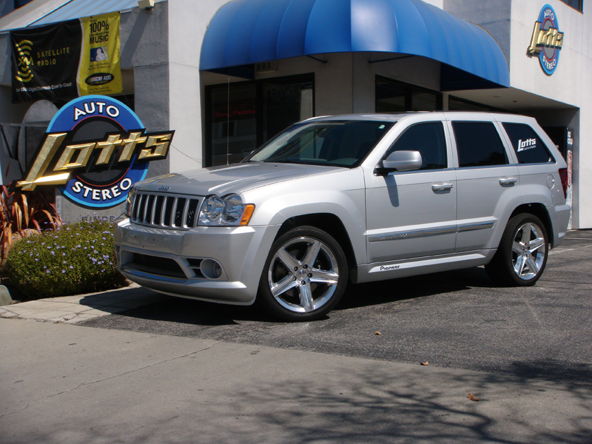 Jeep       Grand       Cherokee    SRT8  Lotts Auto Stereo