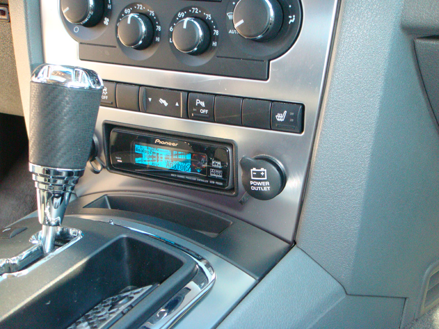 Jeep Grand Cherokee Srt8 Lotts Auto Stereorhlotts: 2007 Jeep Grand Cherokee Interior Radio At Gmaili.net